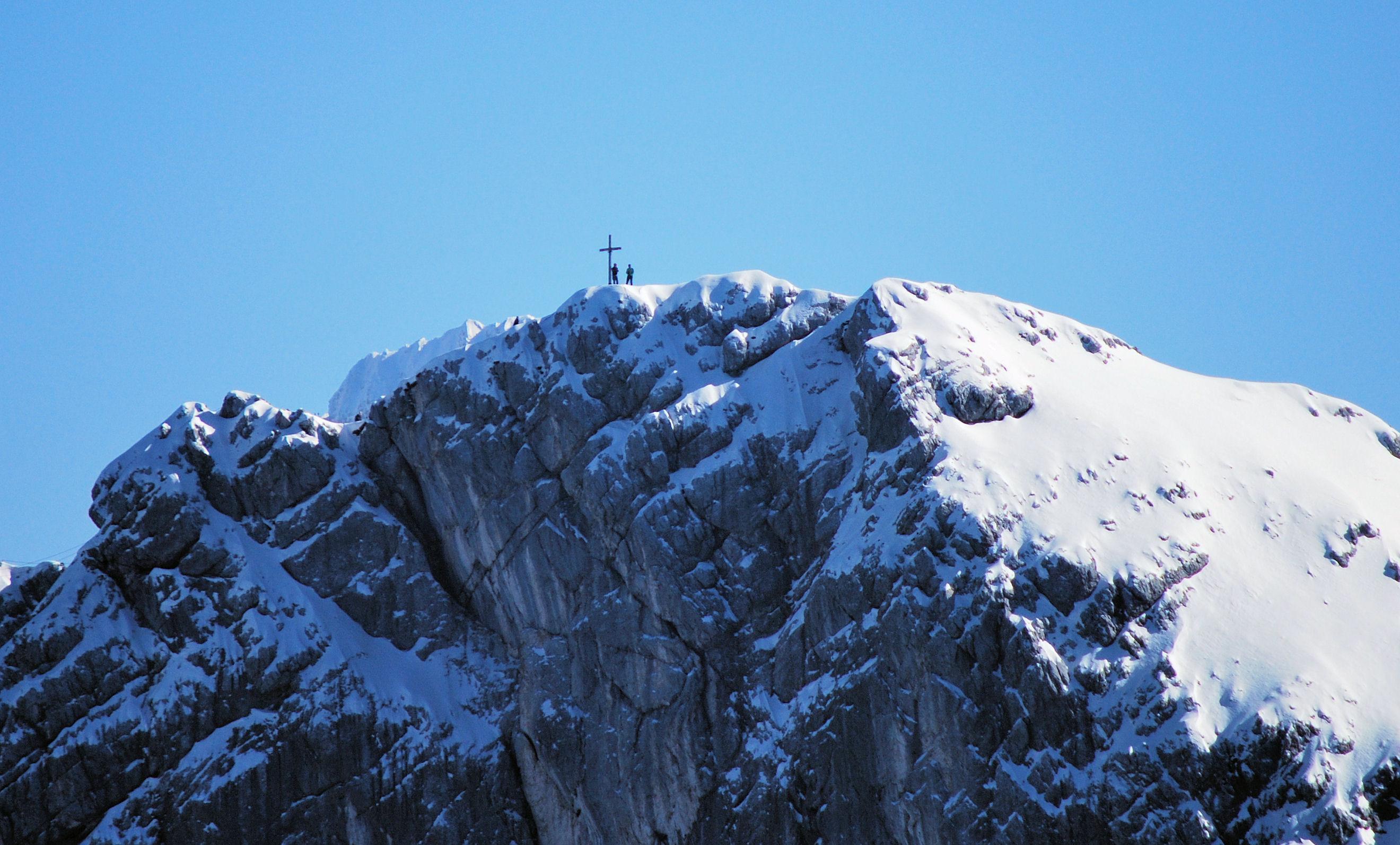 Gipfel und Kreuz